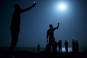 Emigranți africani pe plaja orasului Djibouti